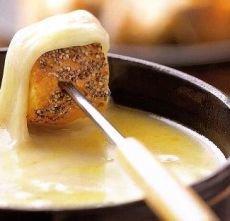 Zwitserse fondue moitié-moitié